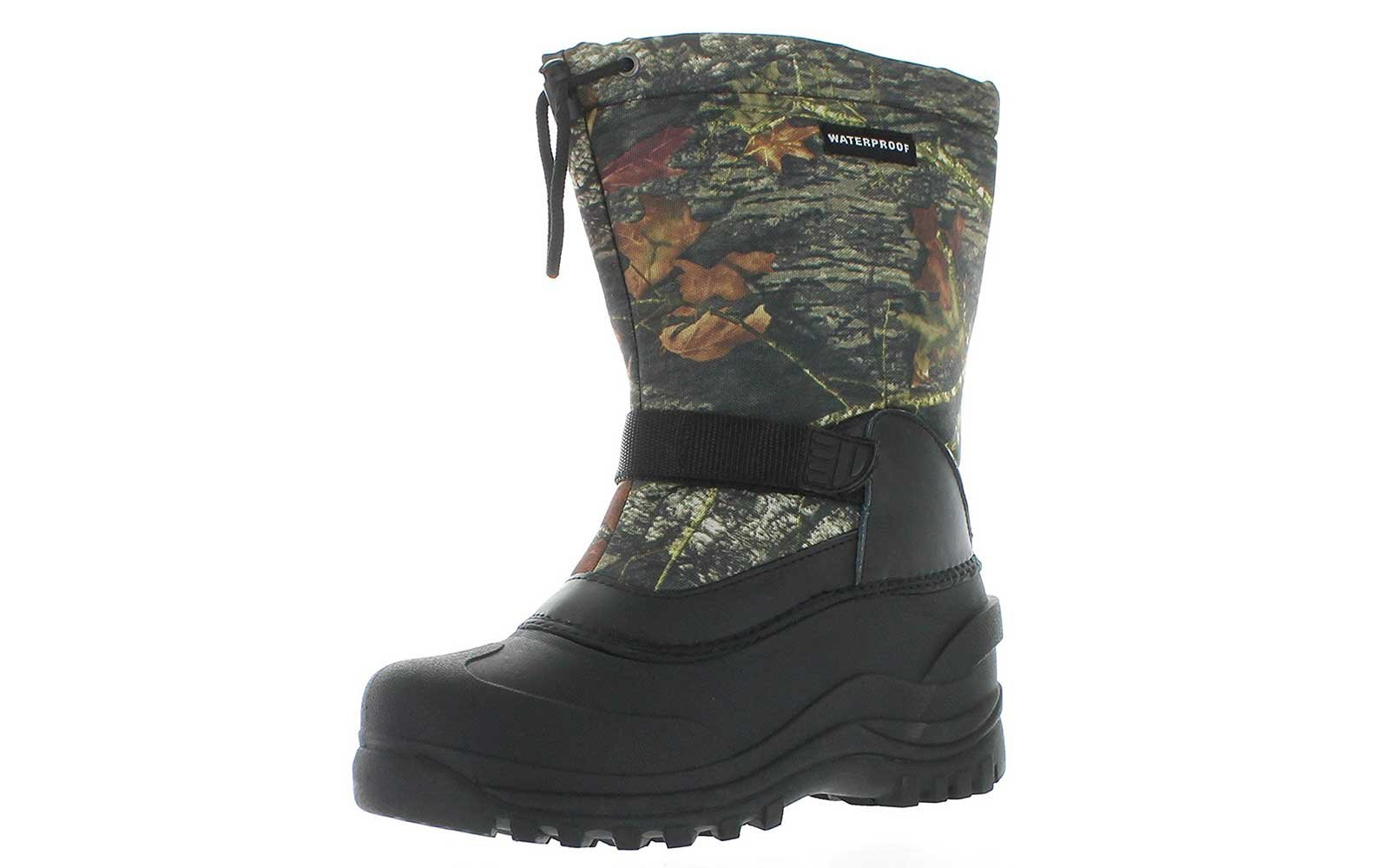 Lined camo snow boots