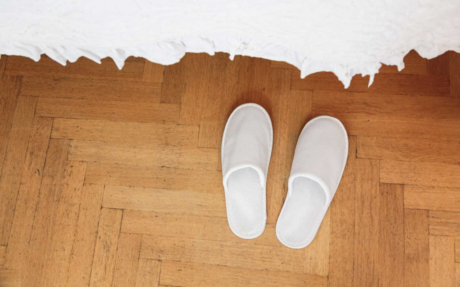 comfortable-house-slippers-COMFYSLIPS0118
