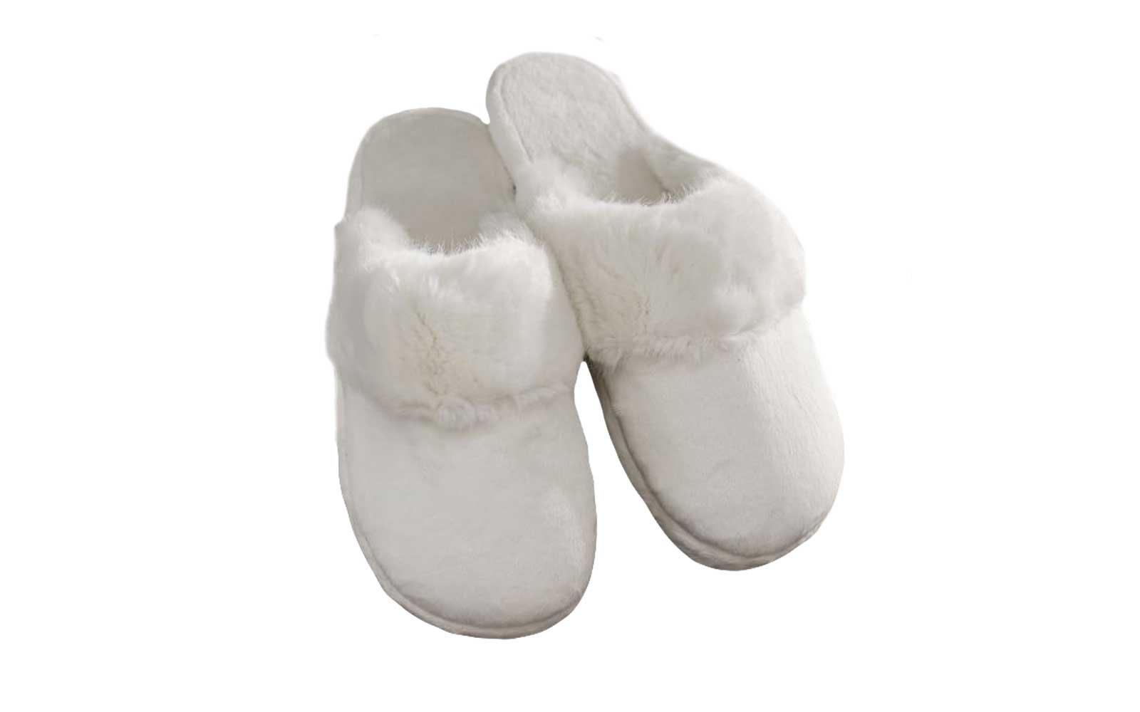 63b15de10d3 9 Super Cozy Slippers for Your Next Spa Night