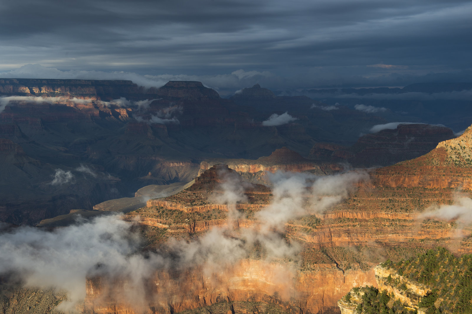 Gov. Ducey pledges to keep Grand Canyon National Park open
