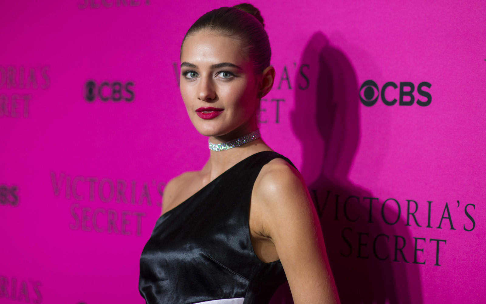 How To Make A Book Cover Out Of A Victoria S Secret Bag ~ How to pack like victorias secret model victorias sanne vloet
