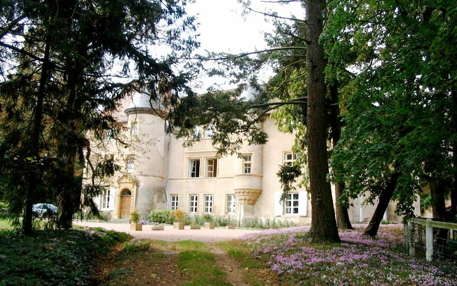 Merveilleux Rent A Castle In France On Airbnb