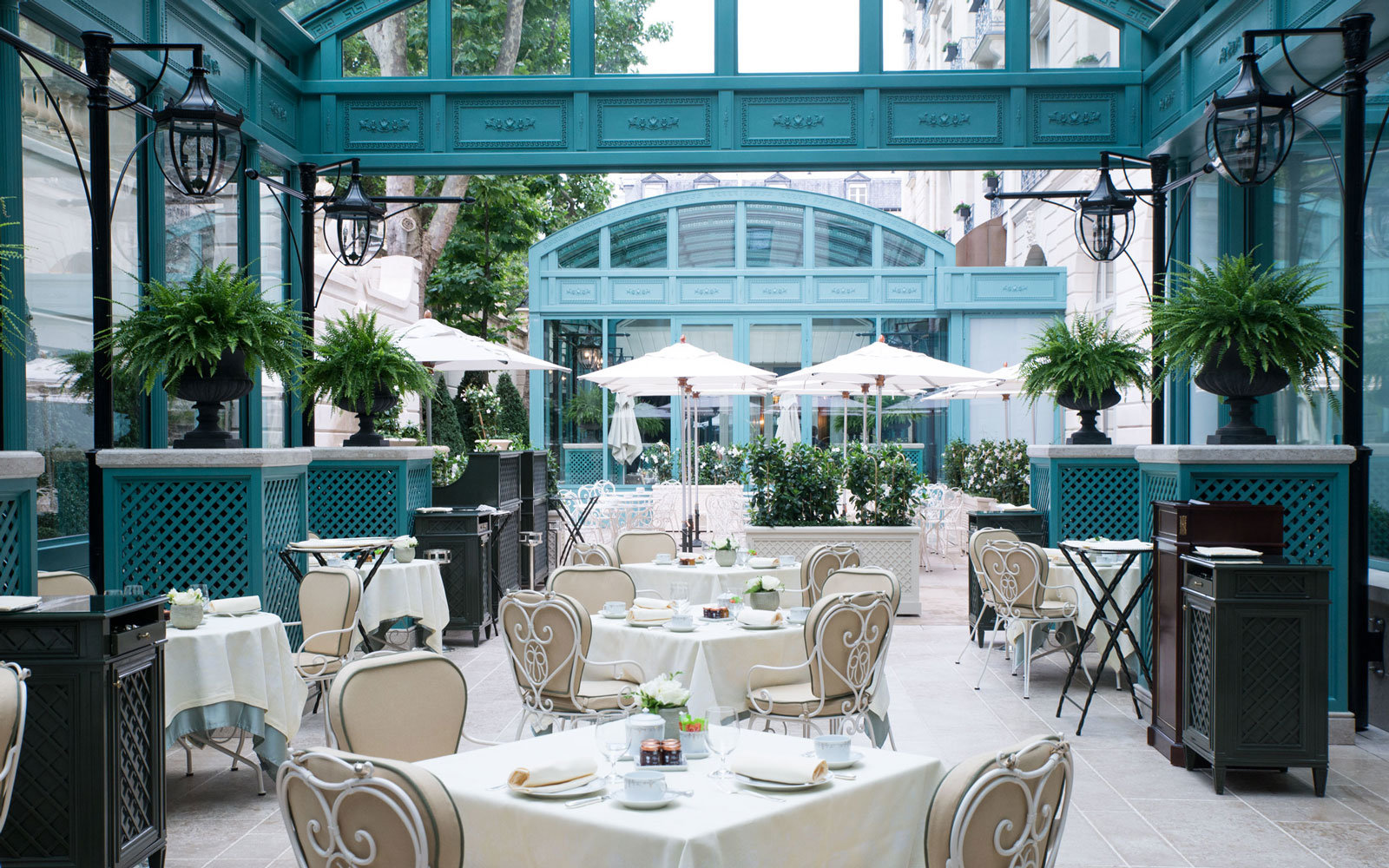 Ritz Paris courtyard