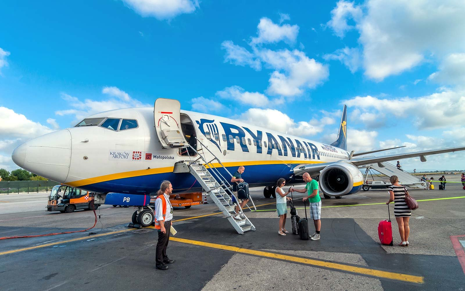 Ryanair Airplane Travel Europe Airline