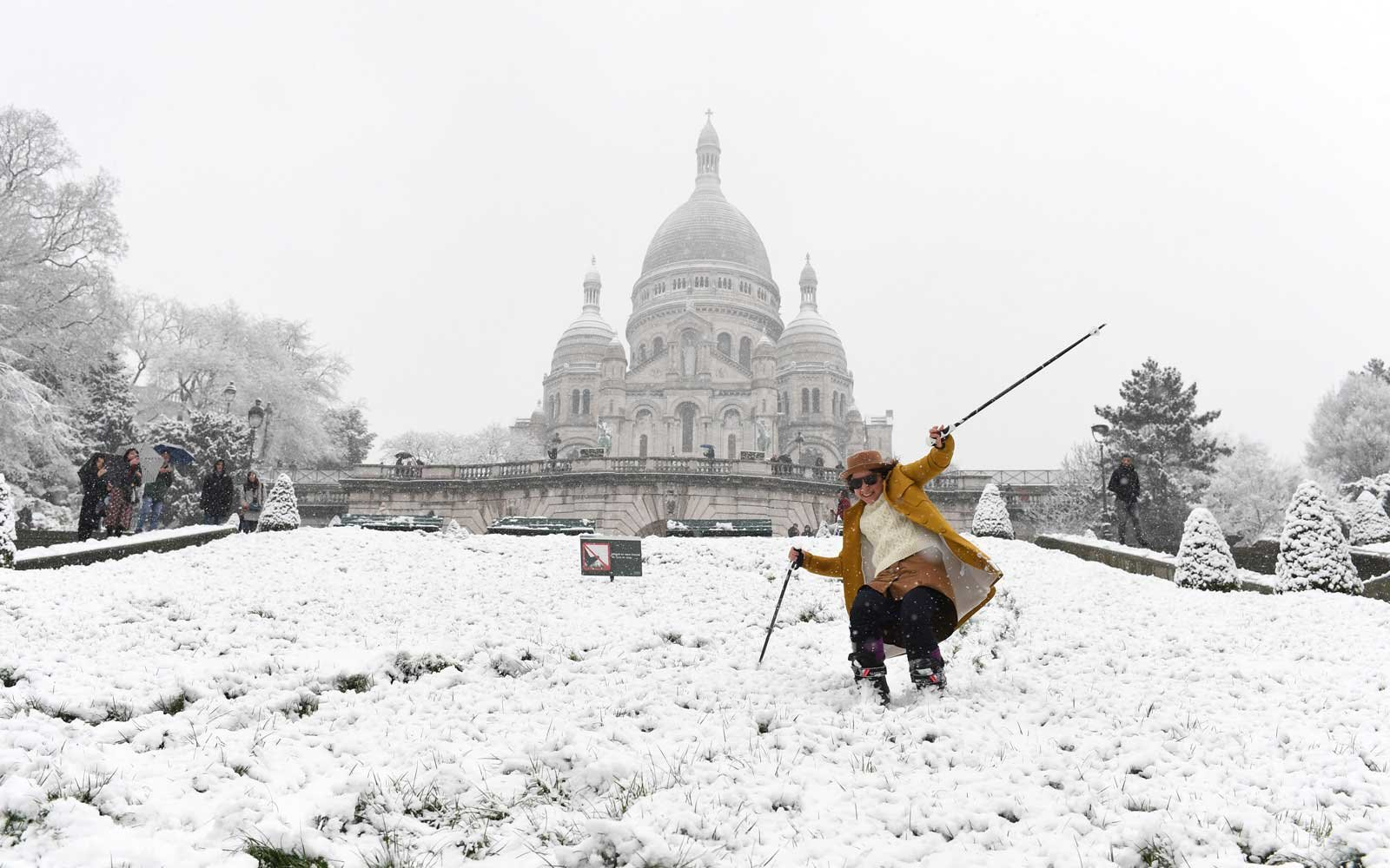 These Photos of Paris in the Snow Will Give You Winter Wanderlust ...