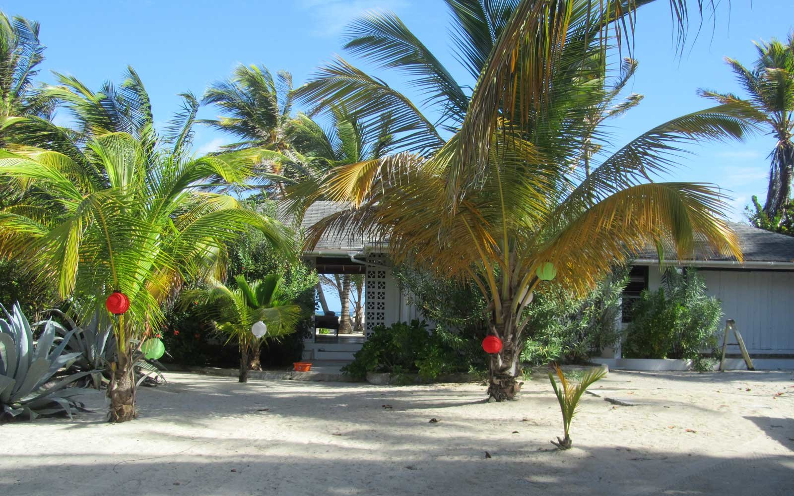 Private Villa on White Sand Beach – Palm Island, Grenadines