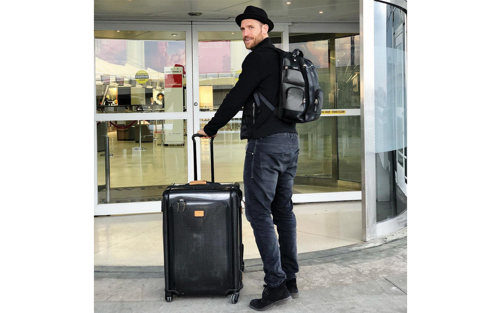 Brooks Laich showing off his Tumi luggage set