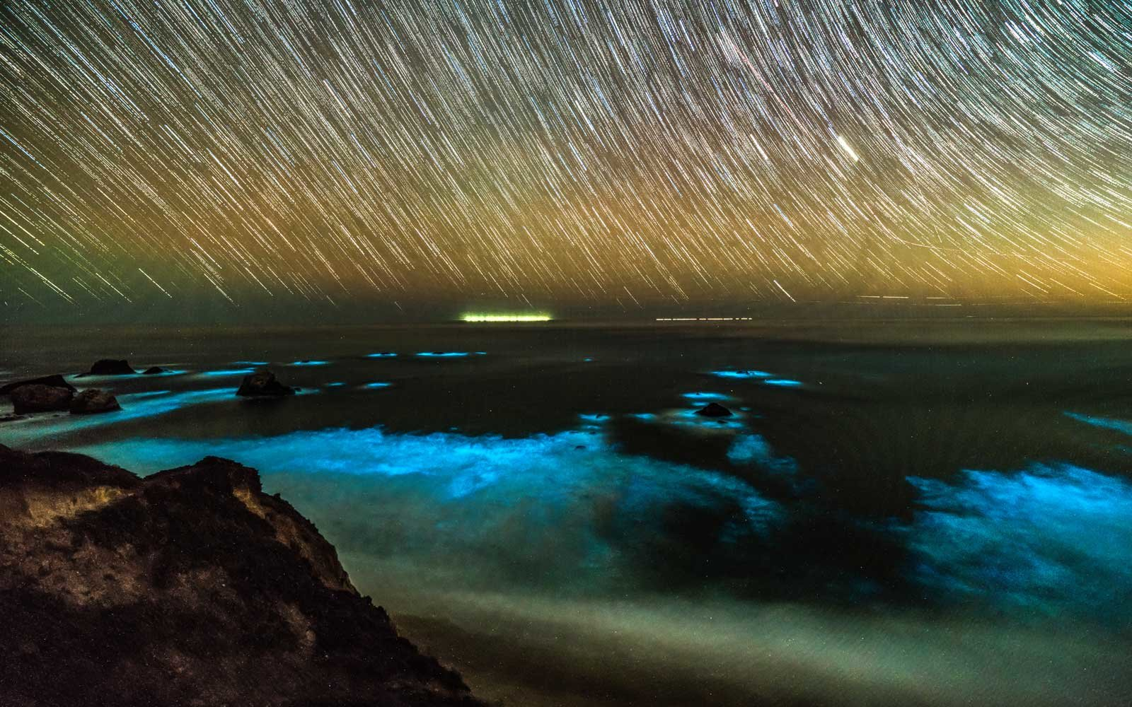 Photos Of Big Sur S Bioluminescent Waves Are Spectacular