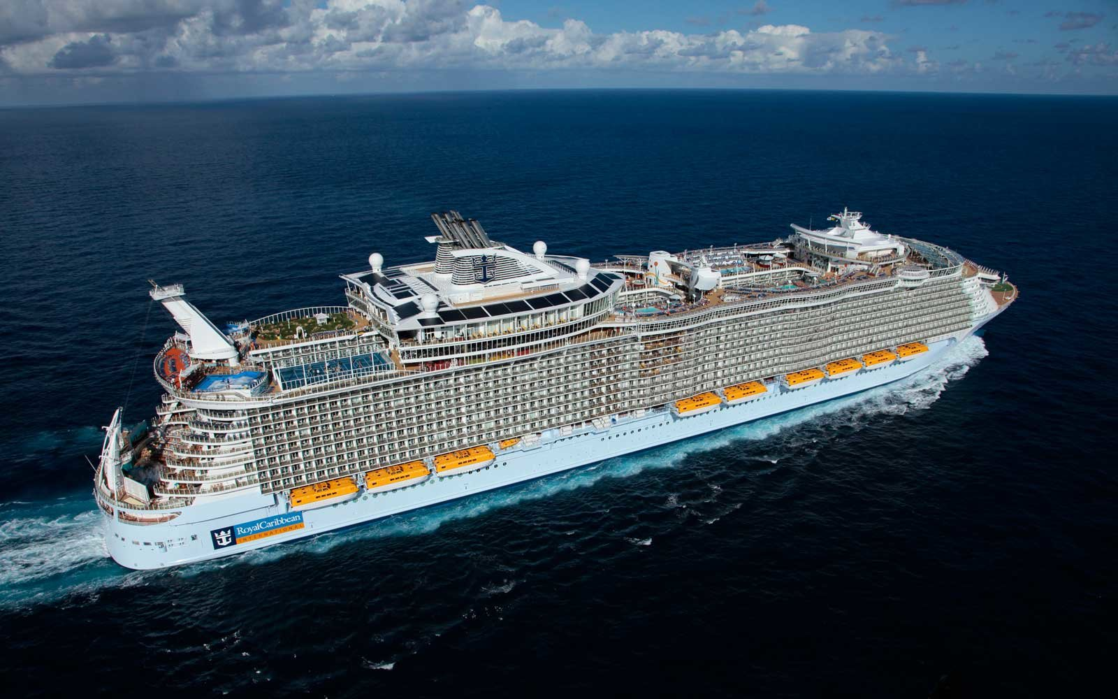 The World S Largest Cruise Ship Has 20 Restaurants A 10