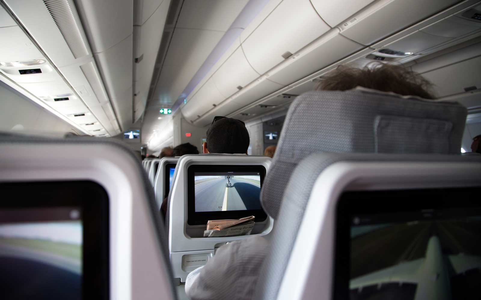 Farting Passenger Forces Plane To Make Emergency Landing