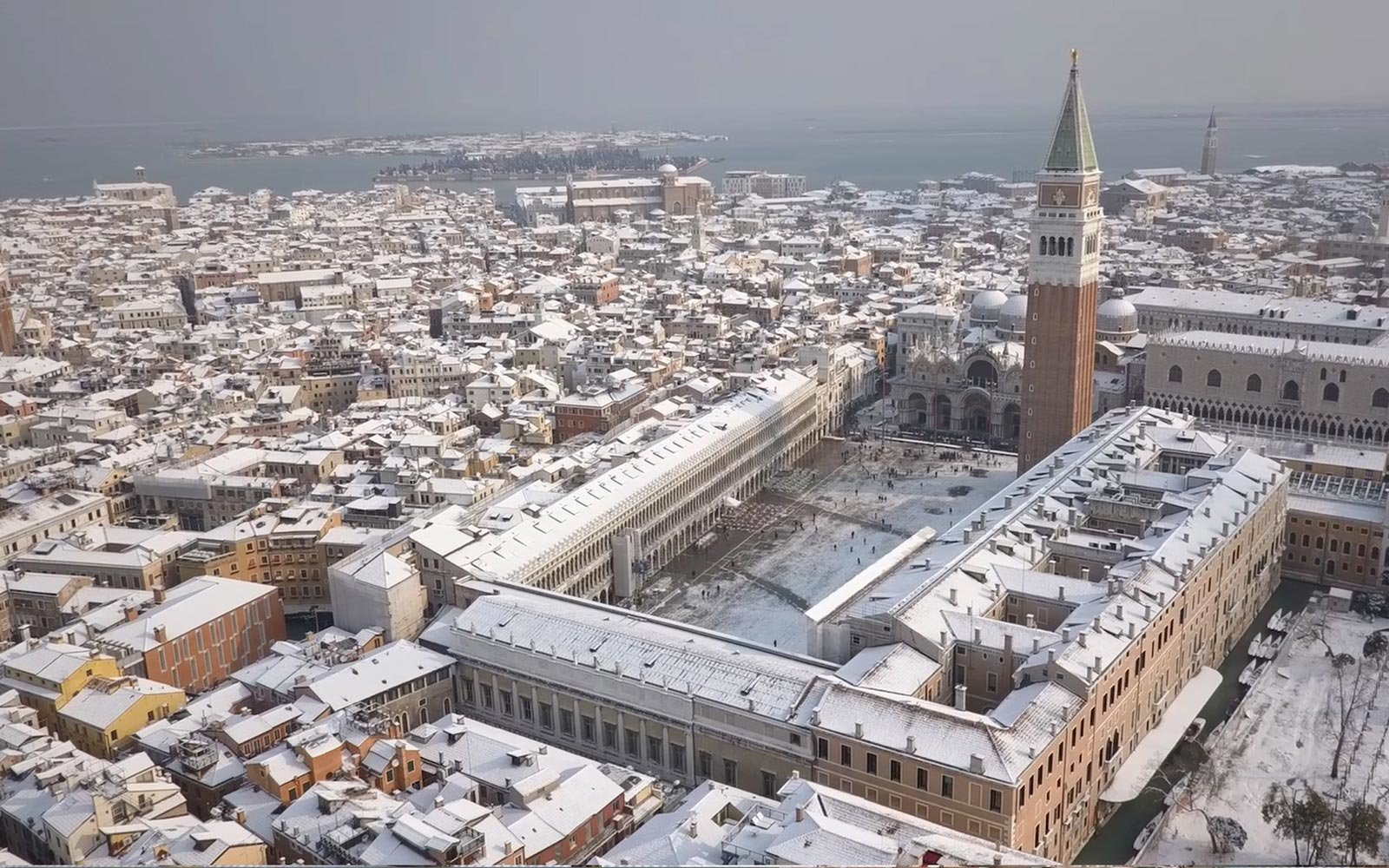 Venice Looks Absolutely Breathtaking Covered In Snow