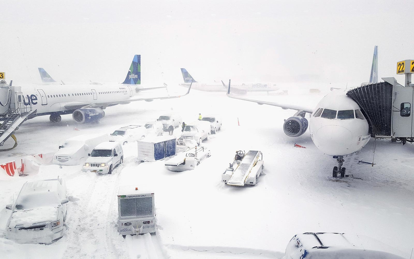 JetBlue Airplanes Winter Storm Snow