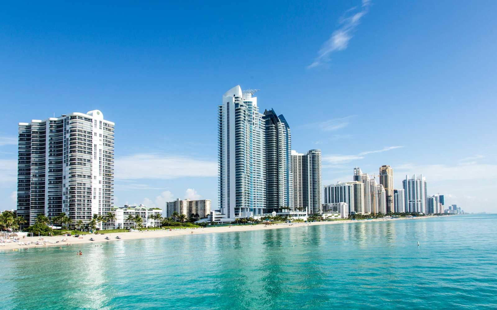 10 destinations where you can stay at five star hotels for for Cheap luxury hotels chicago