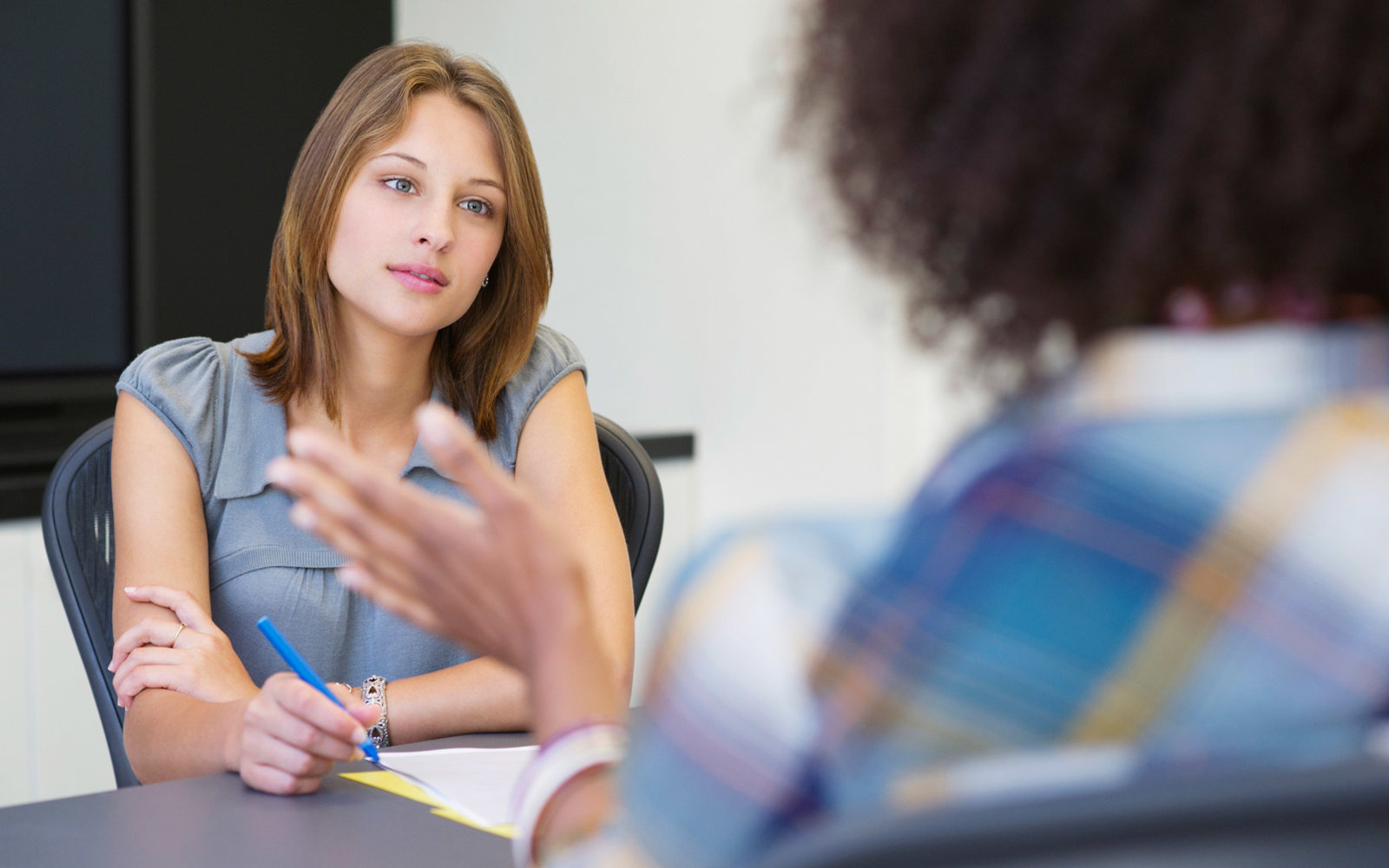 28 Questions That Will Impress Your Job Interviewer