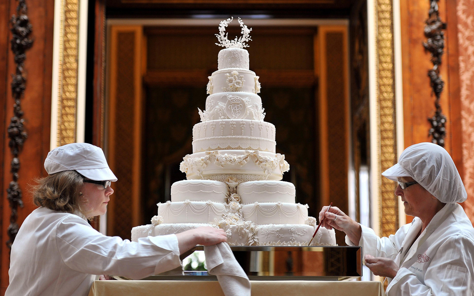 Here S What Kind Of Cake Prince Harry And Meghan Markle