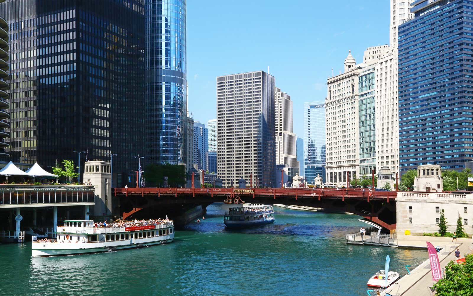 Ferries in Chicago river