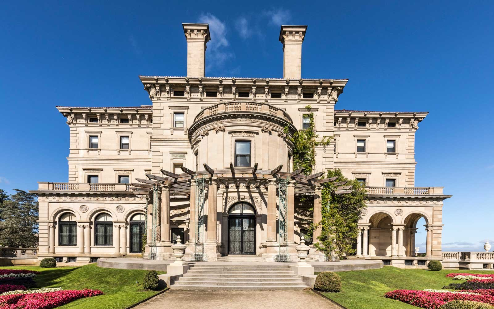 the breakers is an old Newport Mansion open to public
