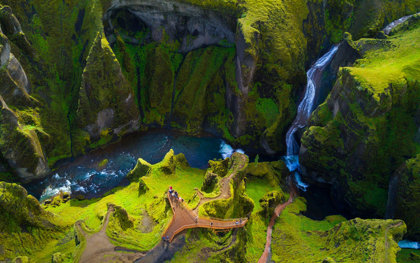 Wow Air Is Offering Cheap Flights To Iceland Starting At