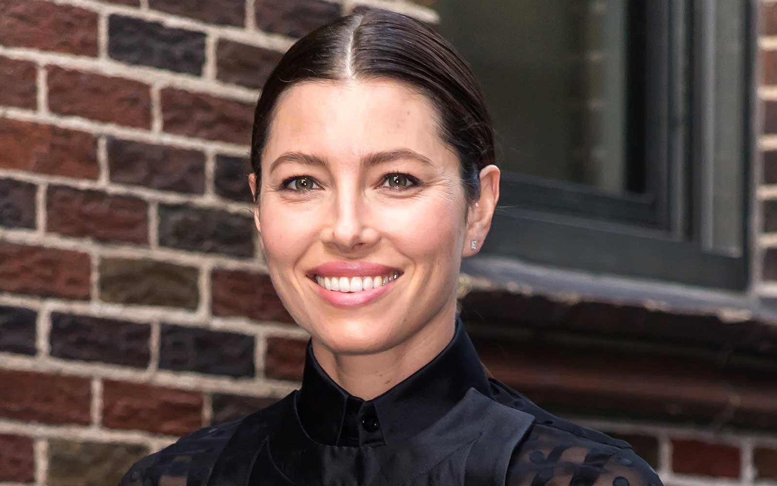 Jessica Biel S Travel Hack Will Completely Change The Way