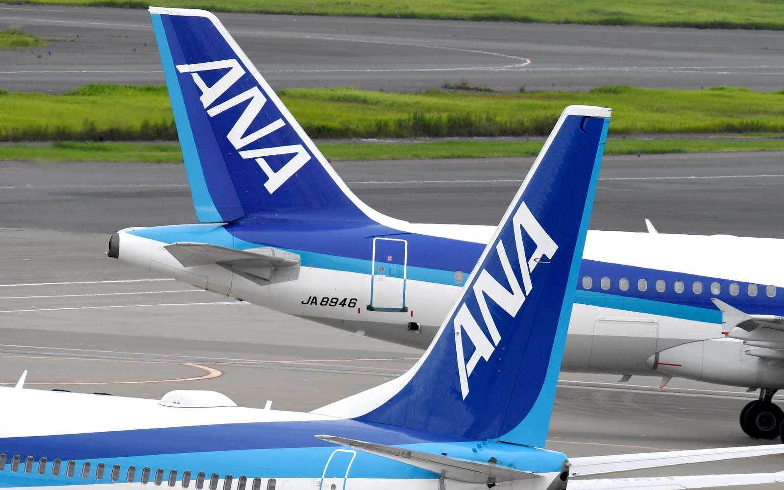 All Nippon Airways (ANA) jetliners on the Tarmac and Haneda International Airport