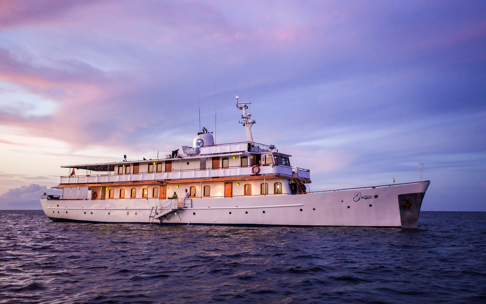 Quasar Expeditions, MY Grace