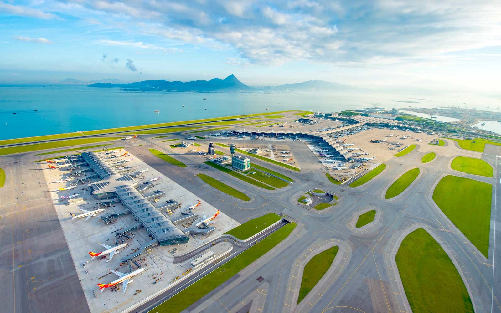 4. Hong Kong International Airport