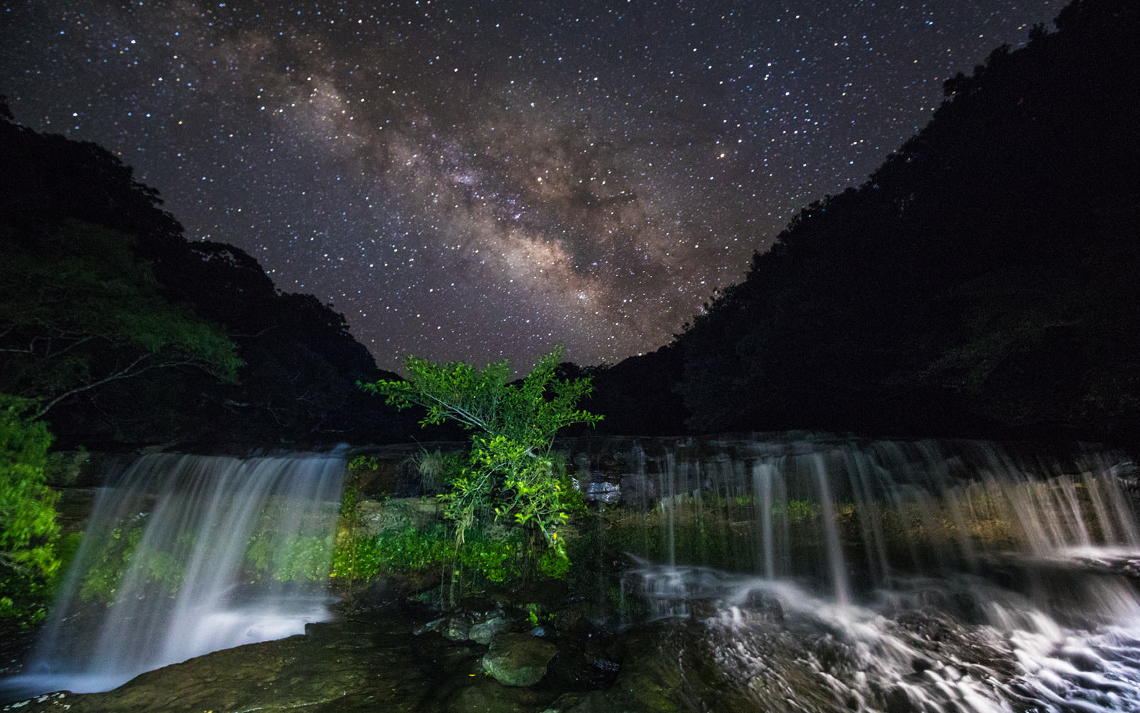 Hike, kayak, and snorkel in the world's newest Dark Sky Park