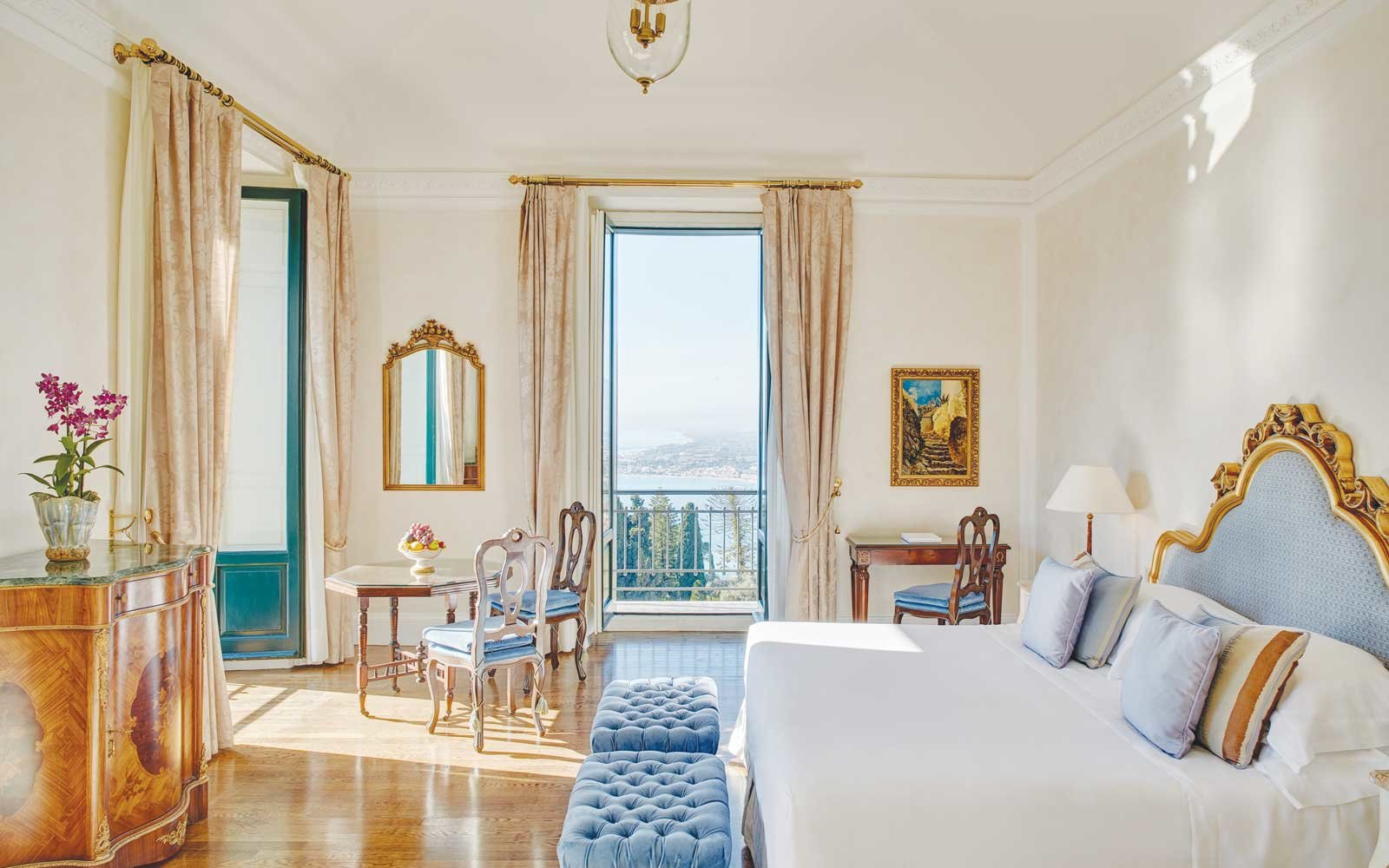 Guest room at the Belmond Hotel Grand Timeo