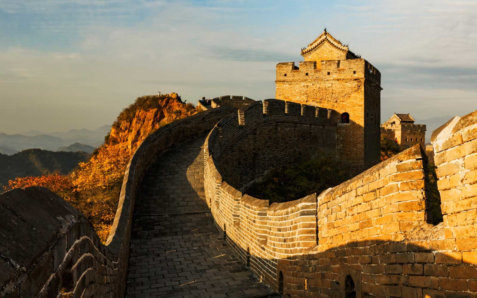 Great Wall of China and Jinshanling Mountains at sunrise, Jinshanling, China