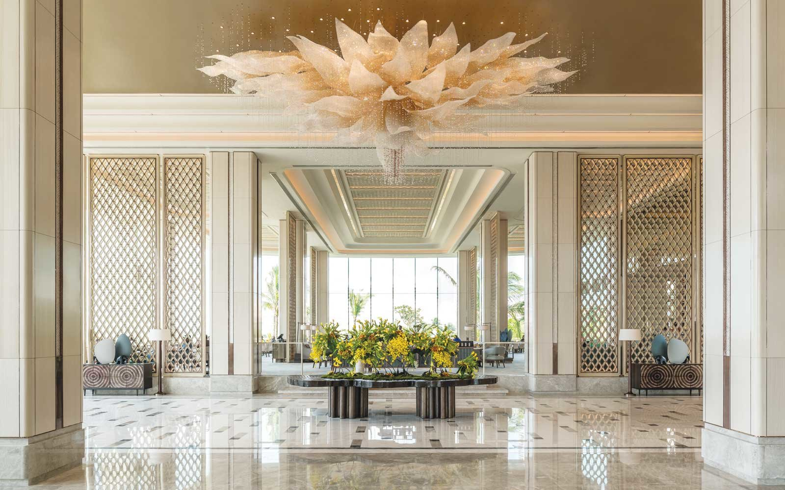 Lobby of the Shangri-La Hotel in Colombo, Sri Lanka