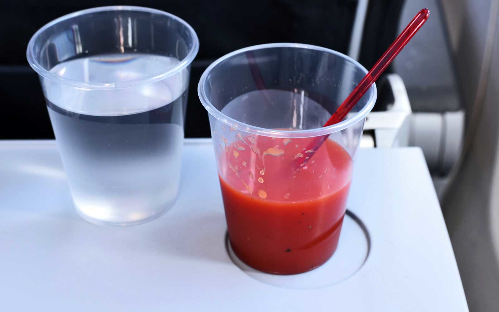 United reinstates tomato juice on flights after complaints