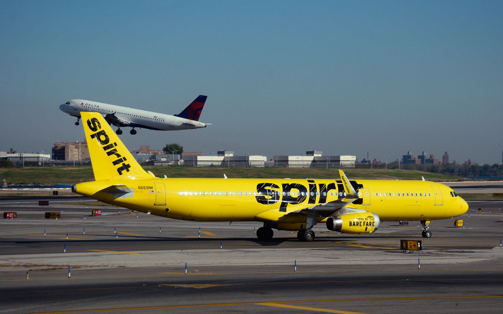 Does Spirit Airlines have wifi?