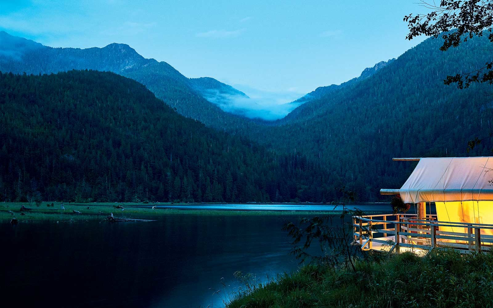 best-canada-resorts-clayoquot-resort-lead-CANADARESORTSWB18.jpg