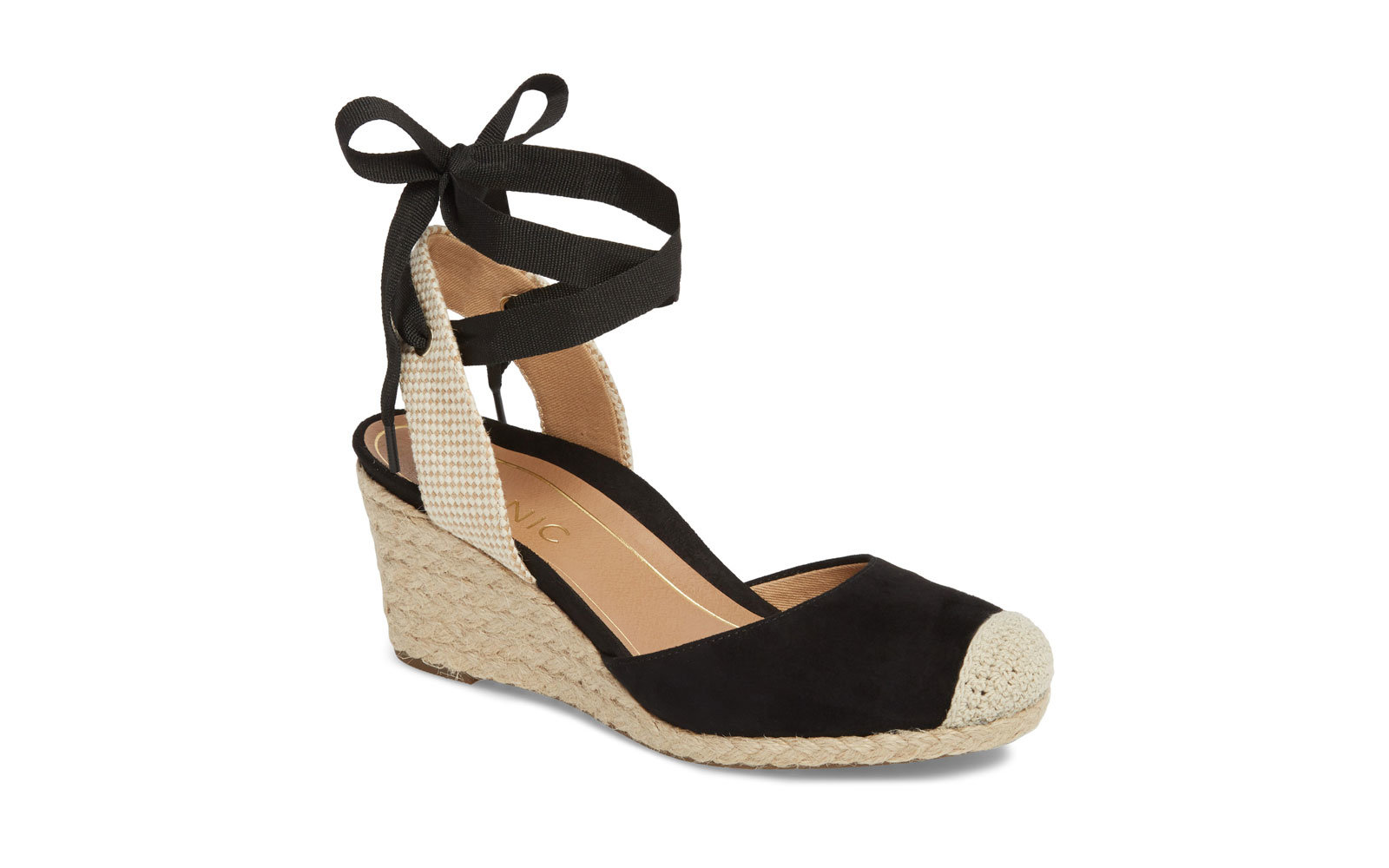 b9b63eb79 The Best Heels to Wear While Traveling   Travel + Leisure