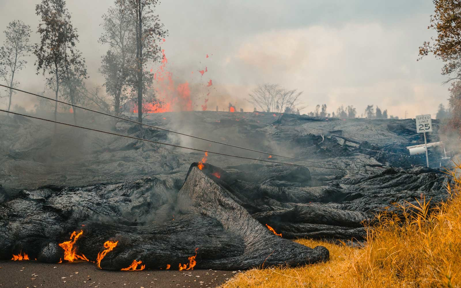 Is It Safe To Travel To Hawaii As The Volcanic Eruptions Create Laze Travel Leisure