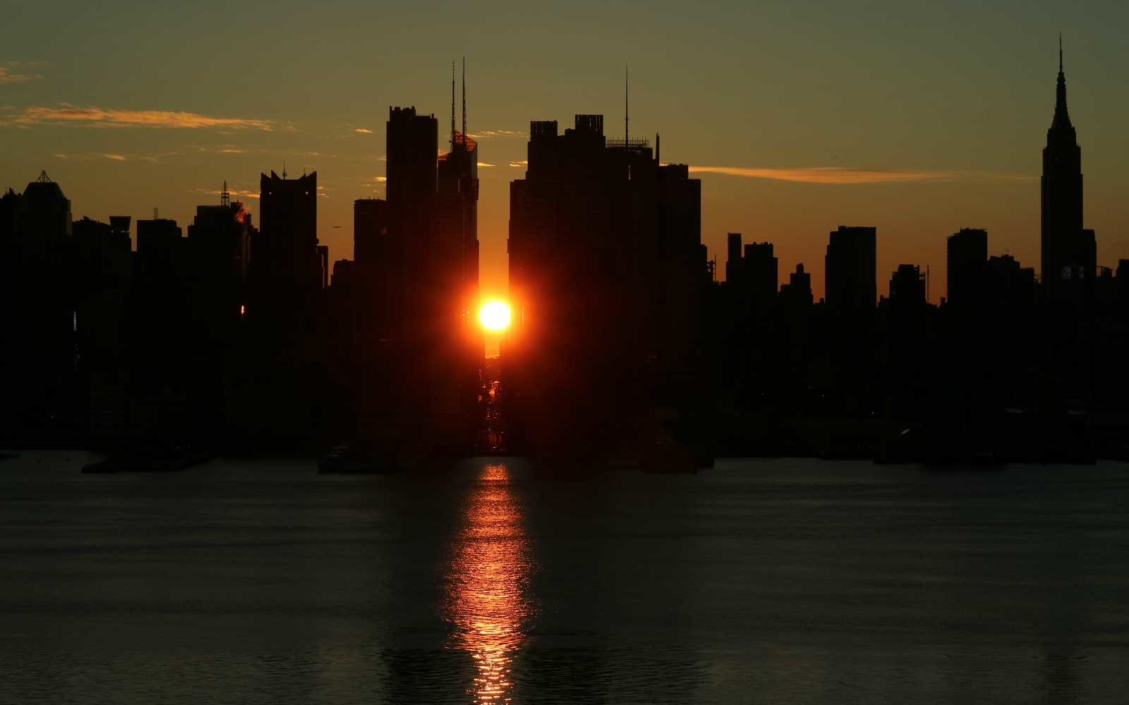 Manhattanhenge 2018 When And Where To Get The Best View In New York City Travel Leisure