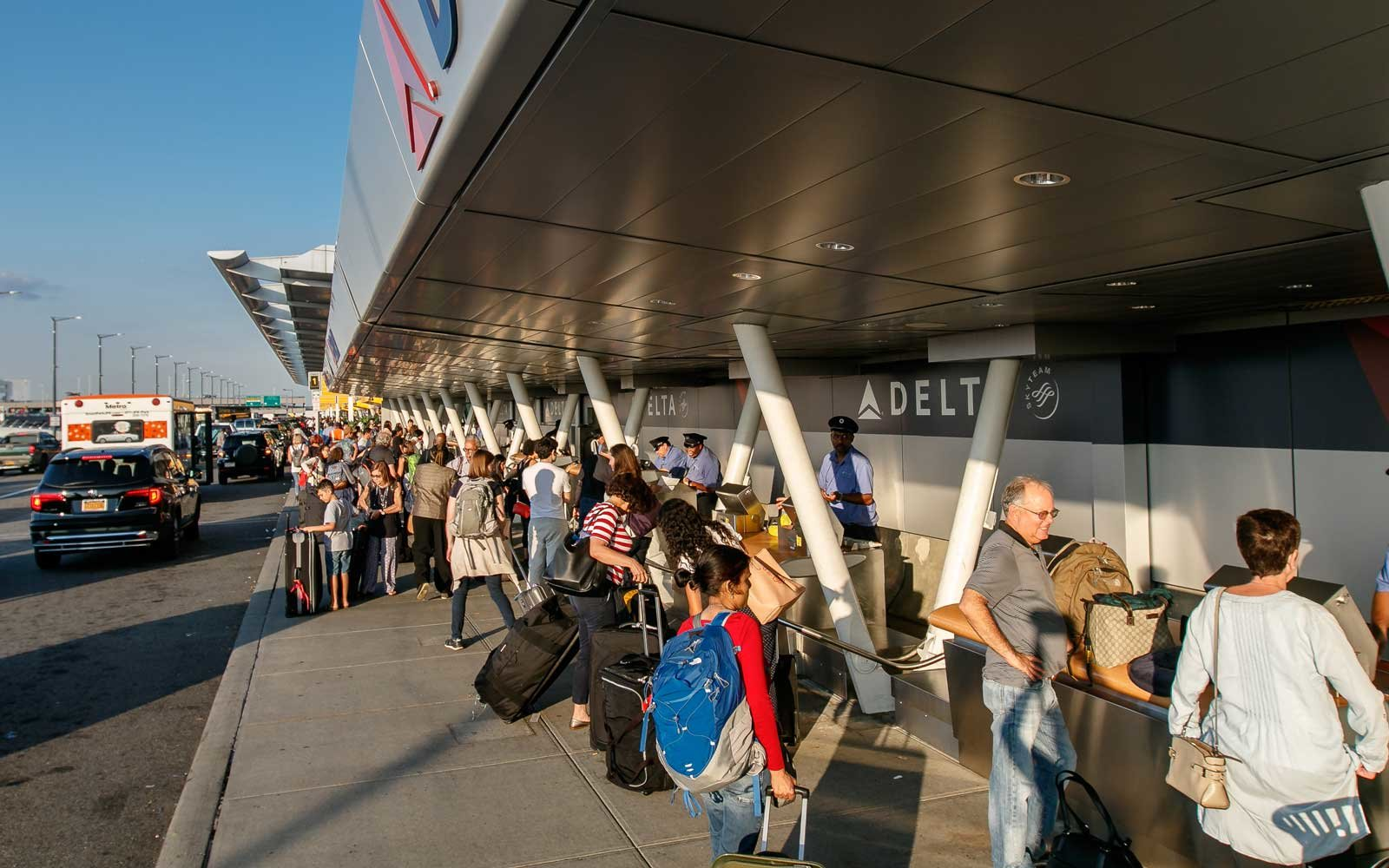 These Will Be the Busiest Days at the Airport This Summer (Video)