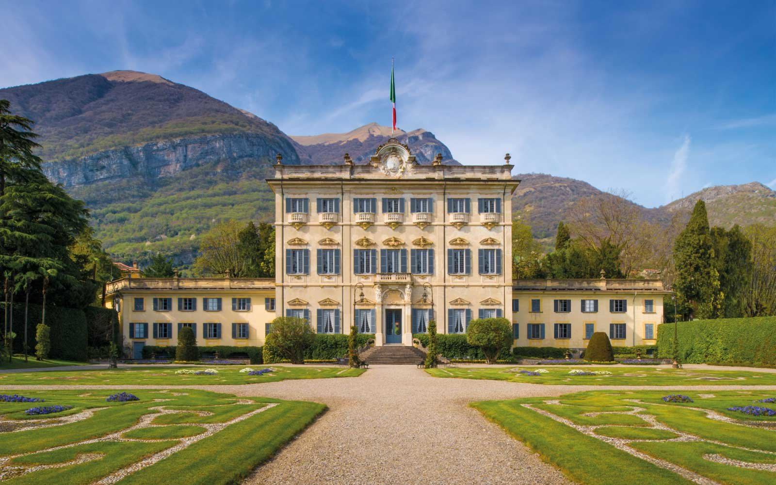 Entrance to Villa Sola Cabiati, on Lake Como