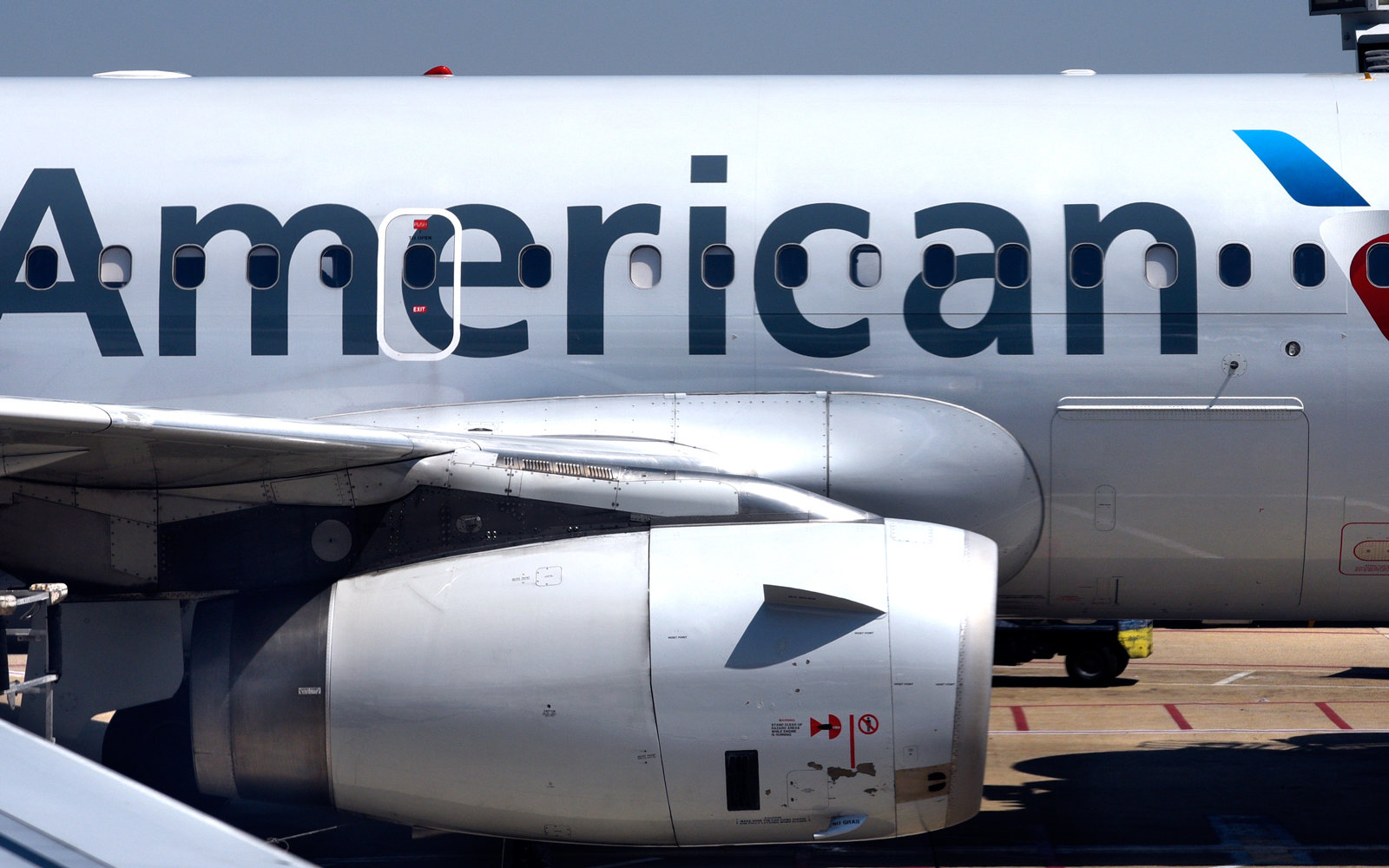 Cracked Windshield On American Airlines Forces Plane To