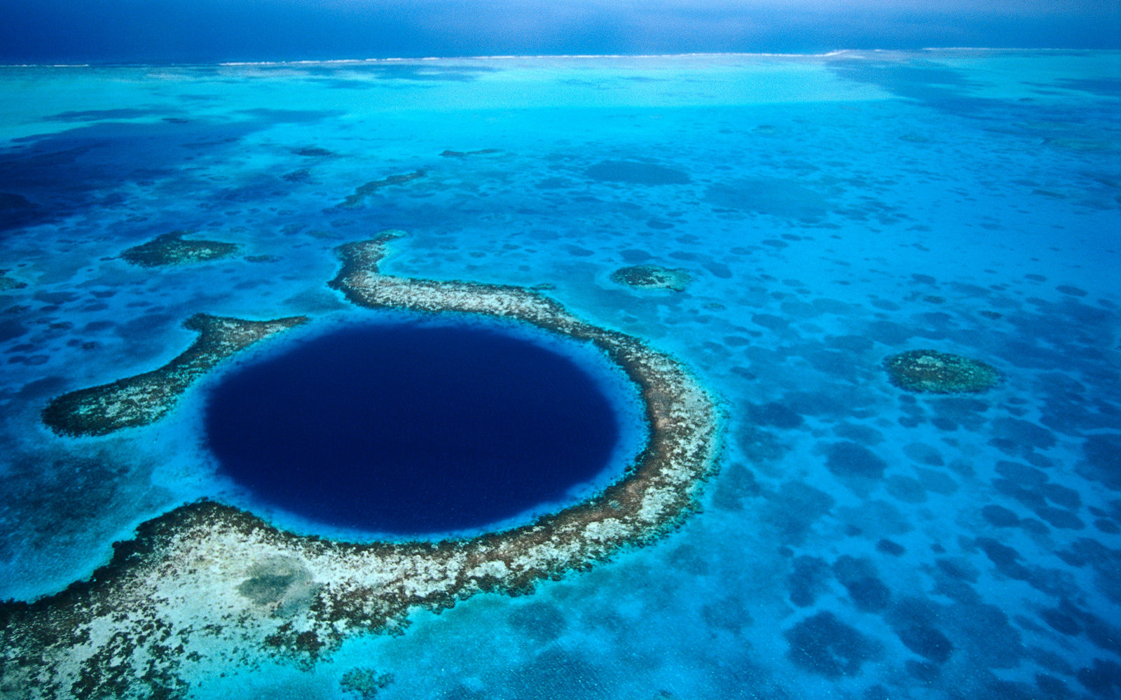 The Great Blue Hole in Belize Is One of the World's Most Gorgeous Mysteries