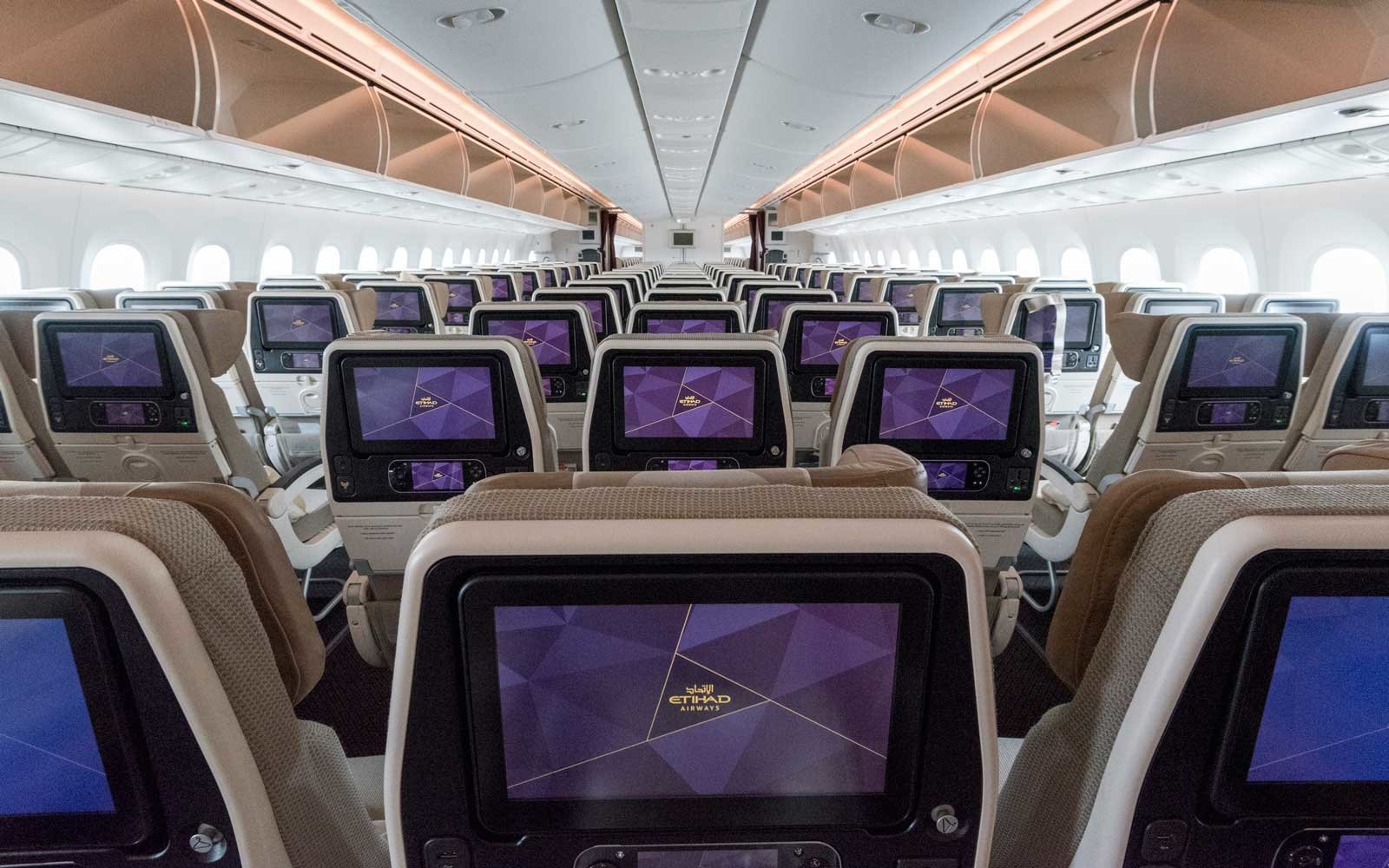 Etihad Airways Boeing 787-9 aircraft interior