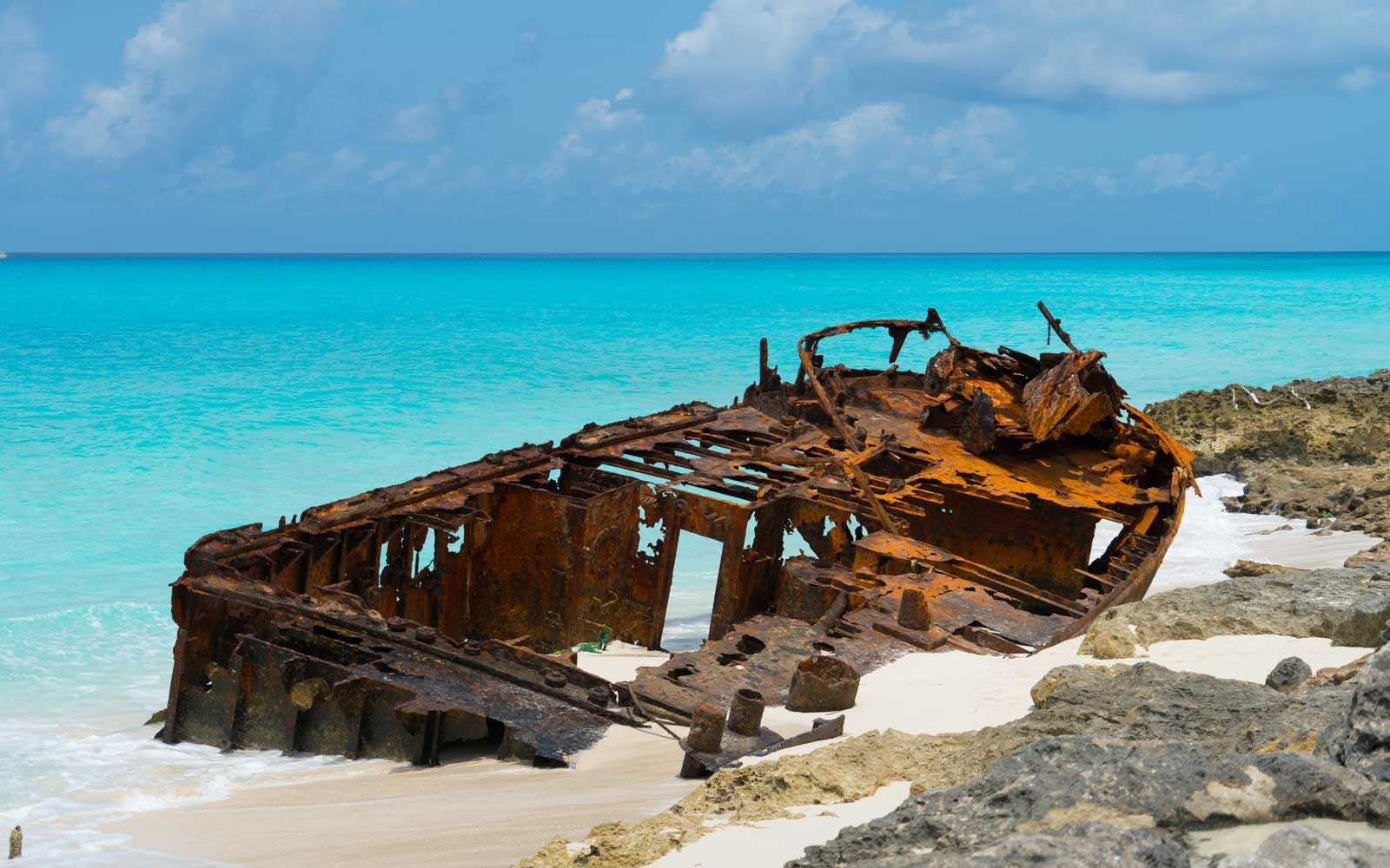 These Tiny Islands Filled With Haunting Shipwrecks and Fresh Seafood Shacks Are Crazy Close to Miami