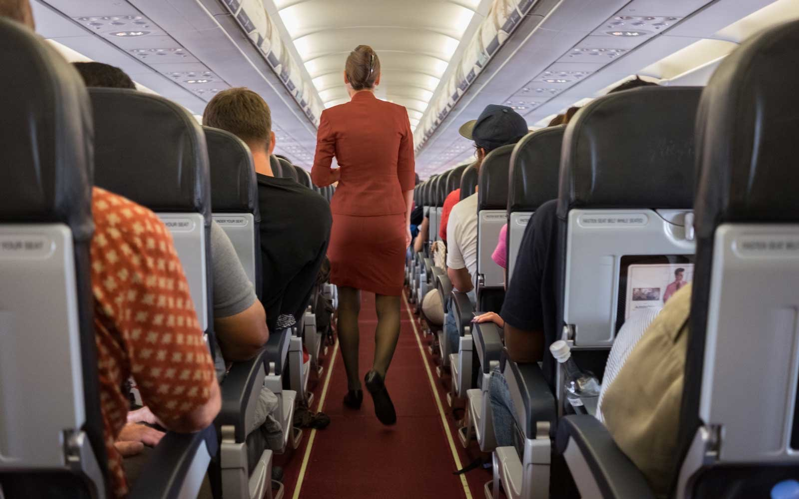 Pilots and Flight Attendants Reveal 15 Secrets You Never Knew About Flying