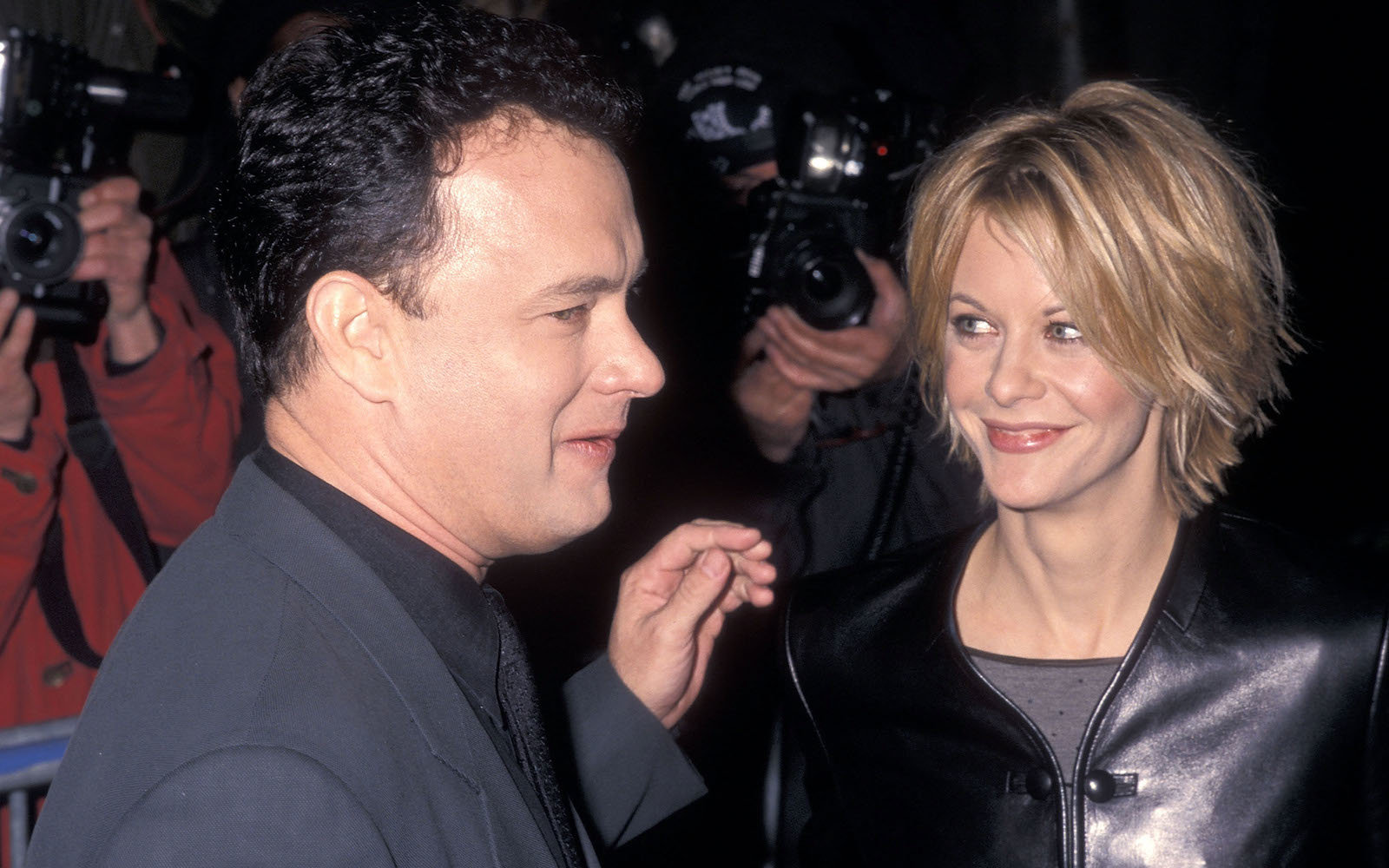 Actor Tom Hanks and actress Meg Ryan attend the 'You've Got Mail' New York City Premiere on December 10, 1998 at the Ziegfeld Theater in New York City.