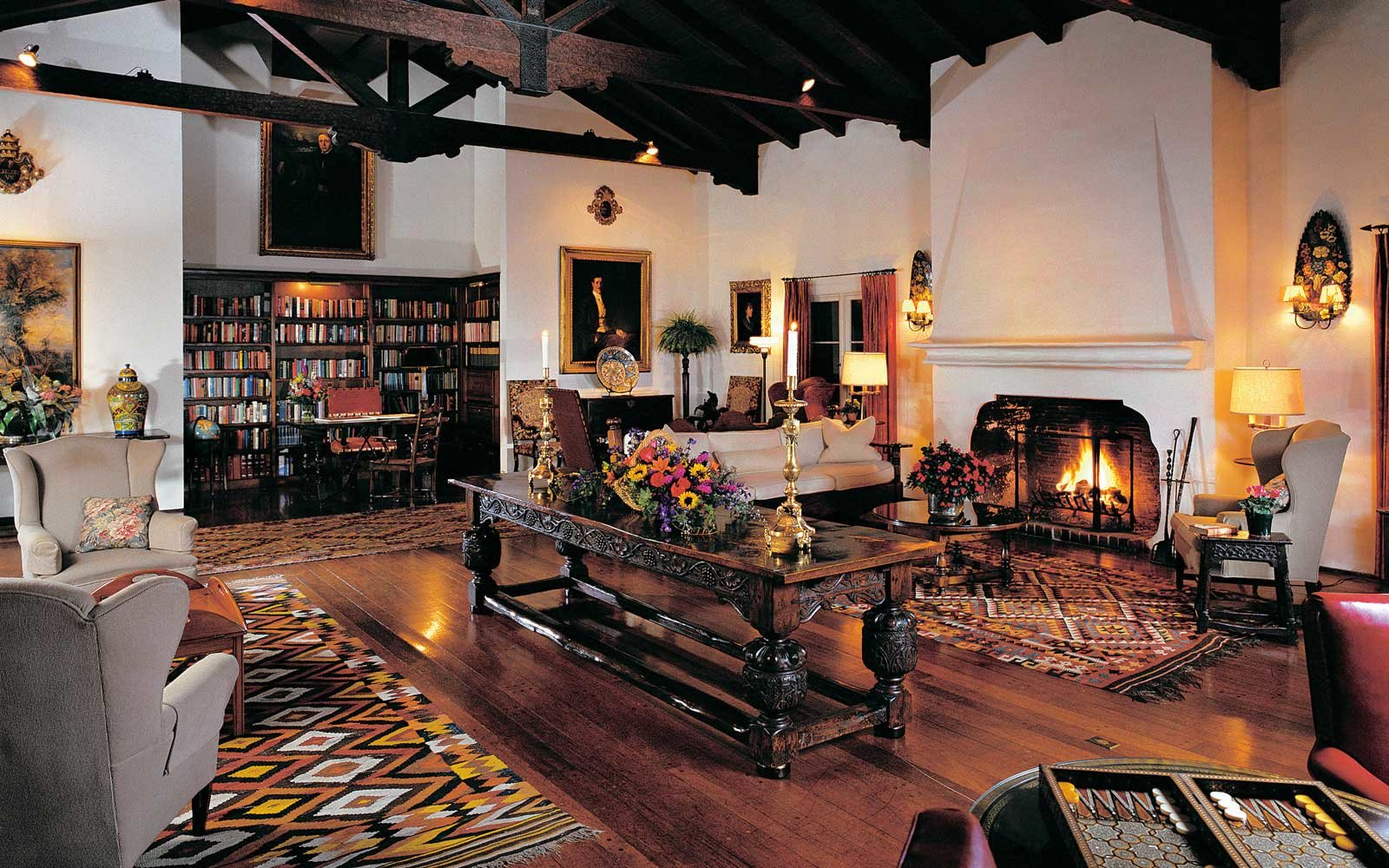 The Best Little Hotel Library in Tucson