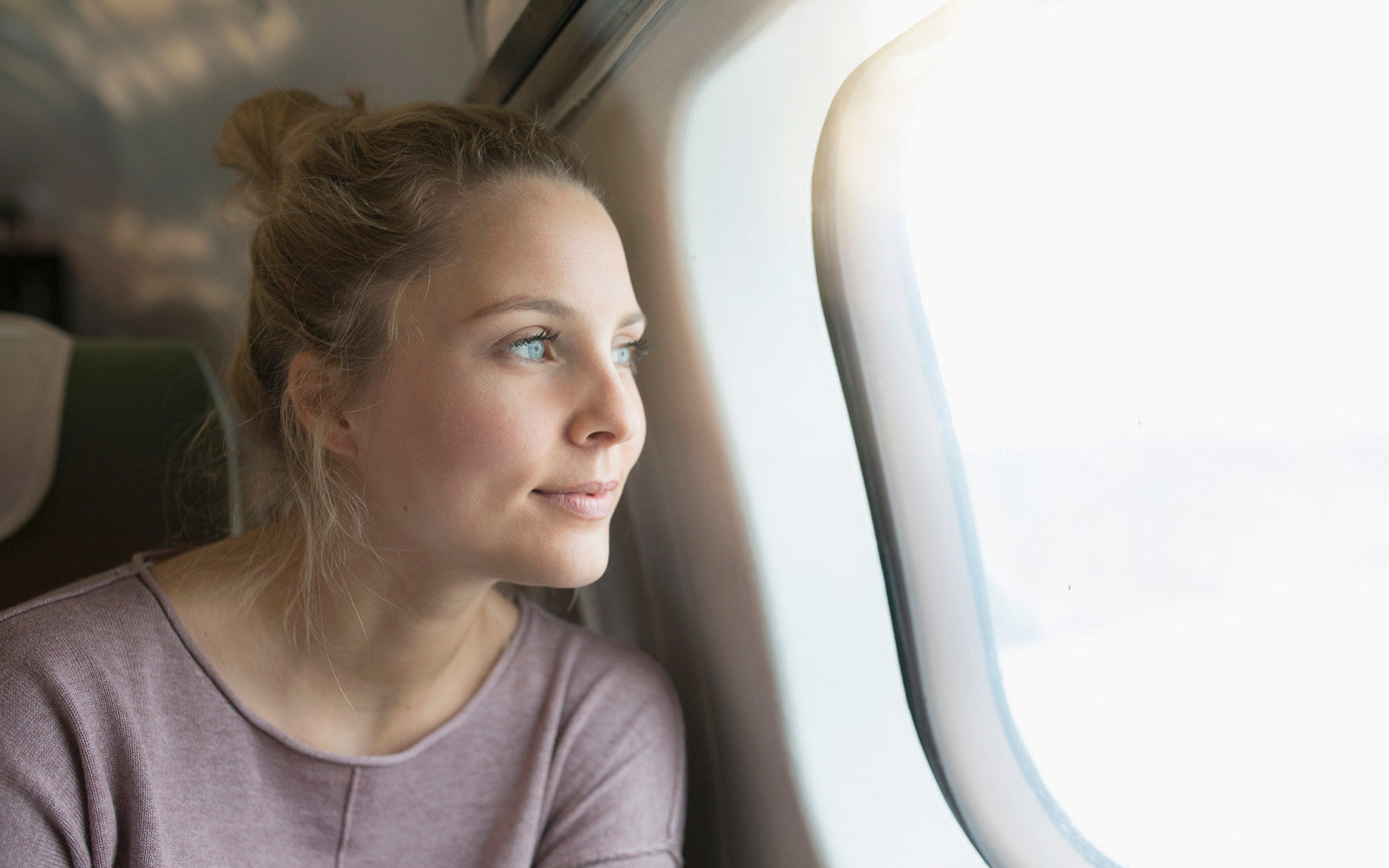 Beauty Problems You Always Face When Traveling—And How to FixThem