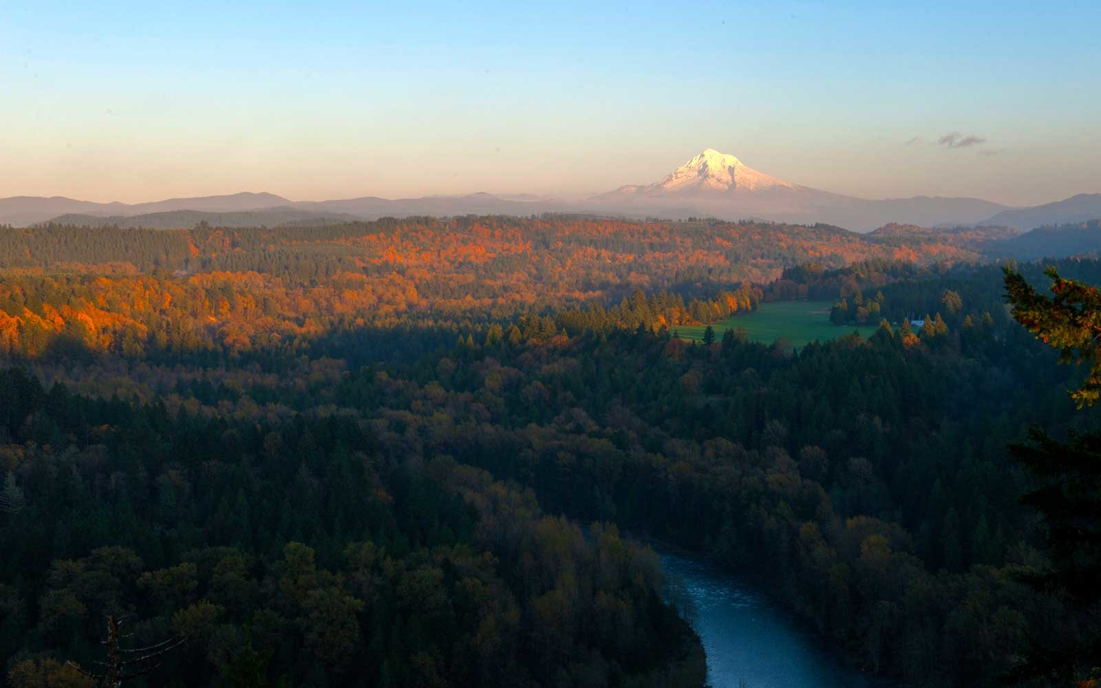 Sandy River valley, the Cascade Mountains and Mt. Hood near Sandy in Oregon