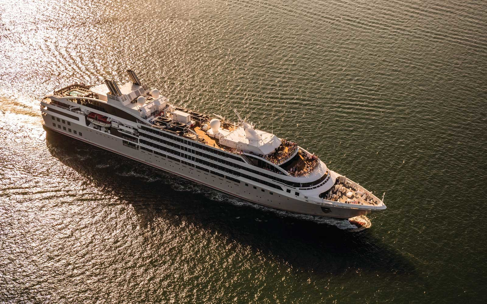 Francois Illas New Tradition: 6 Luxurious New Reasons To Explore Asia By Boat