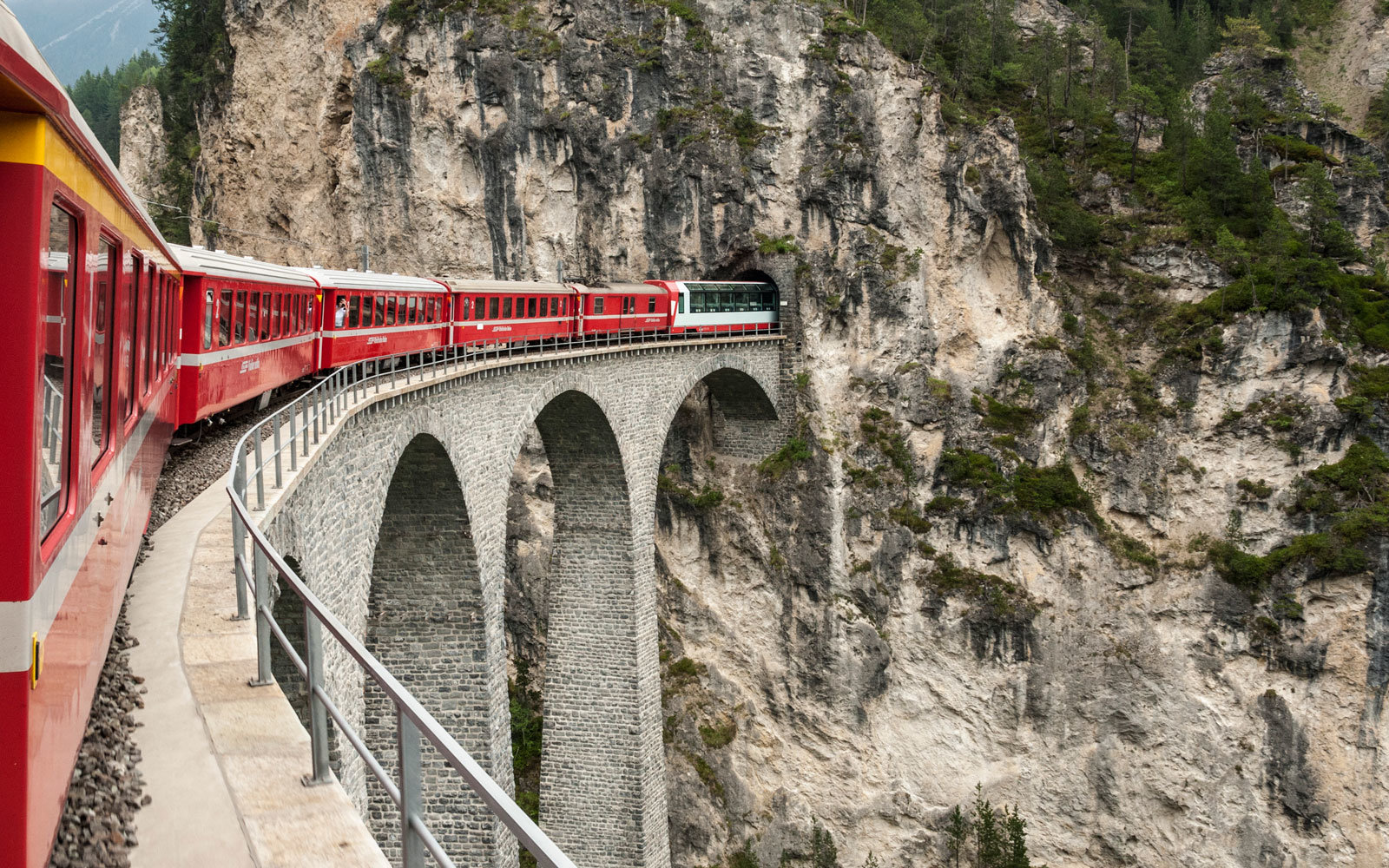 The 'Slowest Express Train in the World' Lets You Enjoy Switzerland's Breathtaking Views in One Relaxing Journey (Video)
