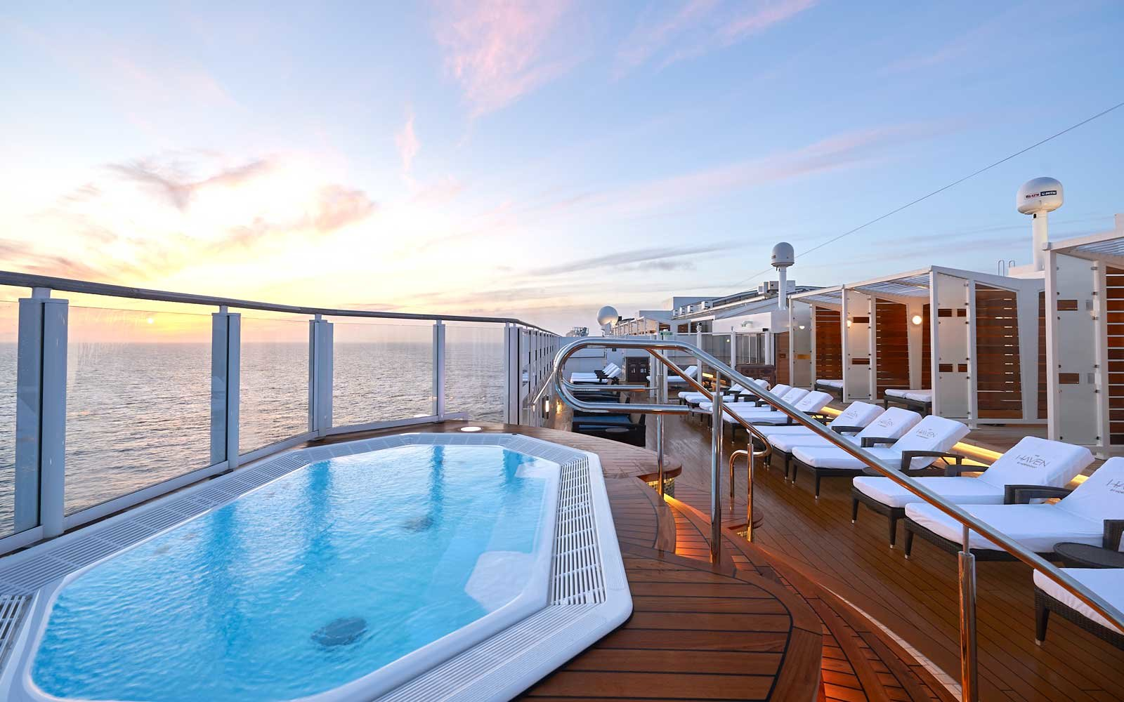Sundeck on board the Norwegian Bliss ship